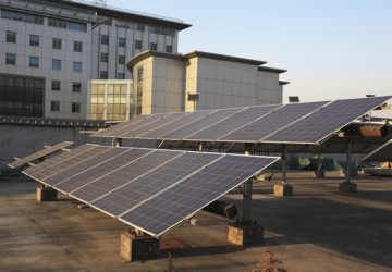 Use of solar power plants on the roof of buildings